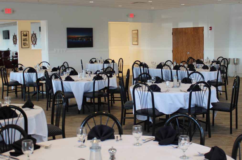 Lakeside Yacht Club-Dining room-1